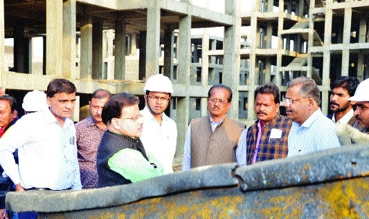 Sagar Mayor inspects Awas Yojana site