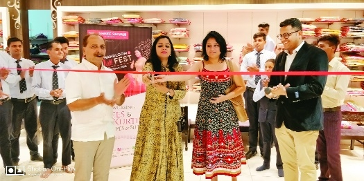 'Handloom Silk Festival' getting good response at Shree Shivam store