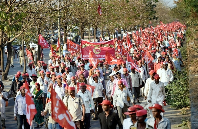 Mah farmers call off strike