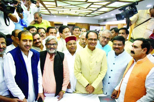 Four BJP, one Cong candidate file nominations for RS