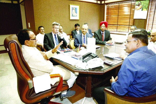 Congenial environment for investment in Madhya Pradesh, says CM Chouhan