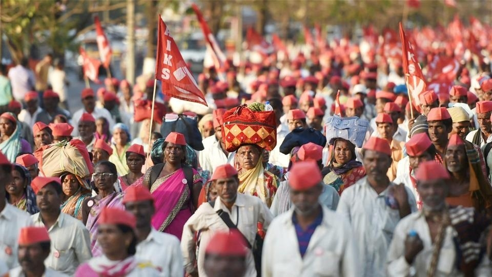 After Mumbai, farmers march towards Delhi to demand loan-waiver
