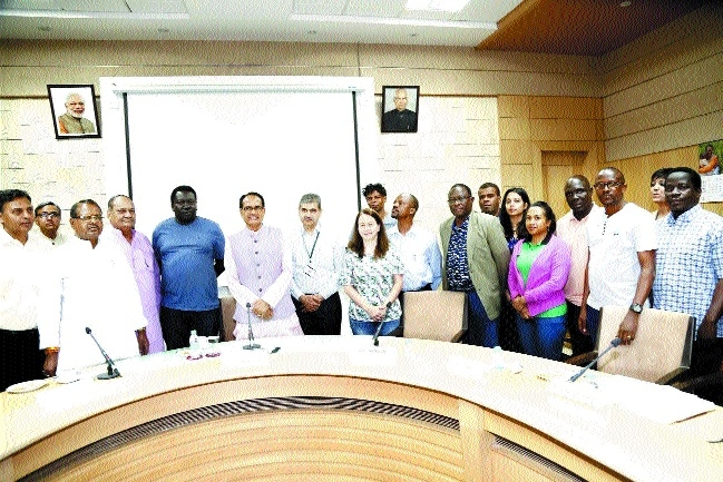 International Solar Alliance delegation meets CM