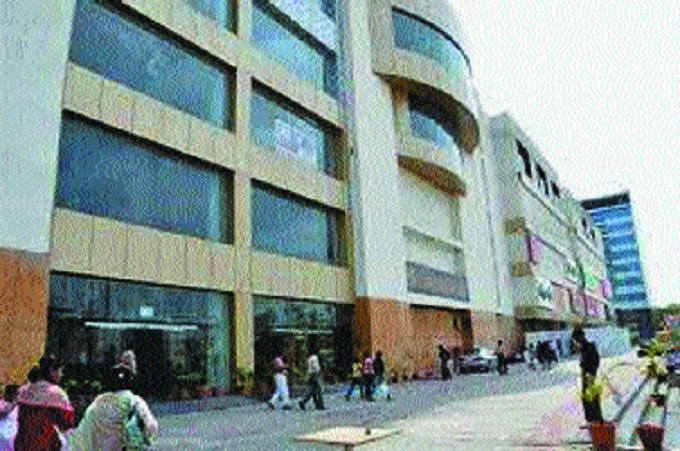 NMC's Fire Department declares Empress Mall as 'unsafe' building