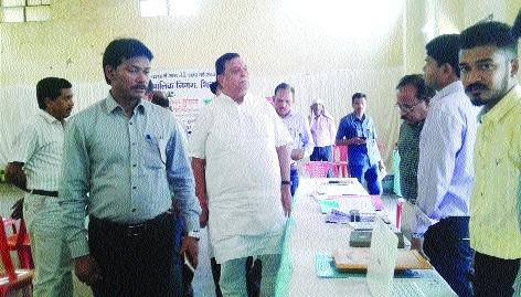 Bhasin inspects Lakshya Samadhan Shivir under 'Lok Suraj Abhiyan'