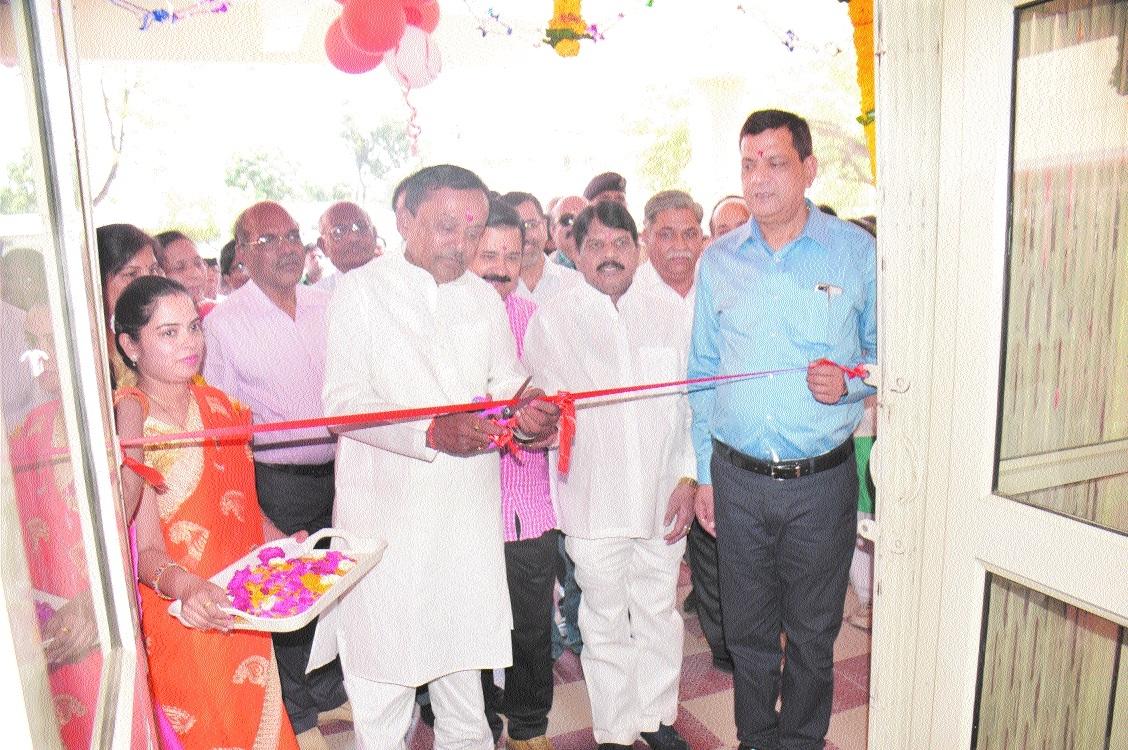 Minister Sharad Jain inaugurates hostel building of BSc Nursing College at Rani Durgavati Hospital
