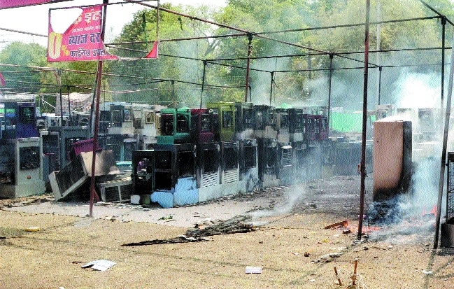 Coolers worth lakhs gutted due to short circuit in Vijay Market