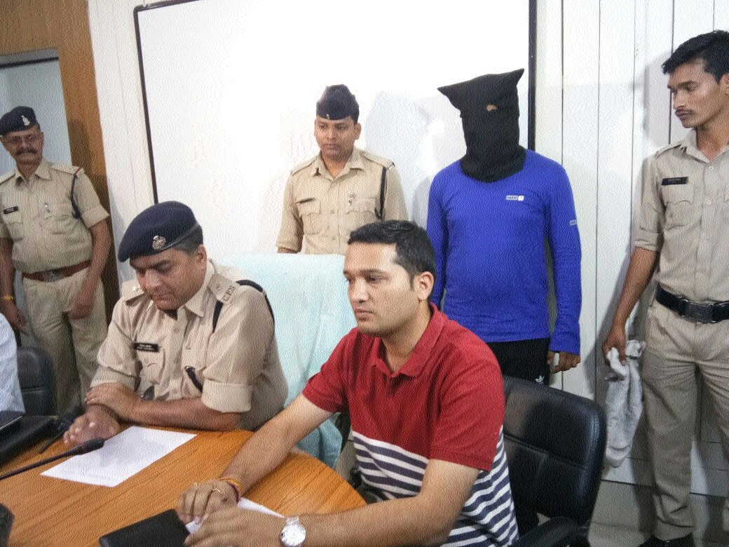 One more nabbed in car theft case