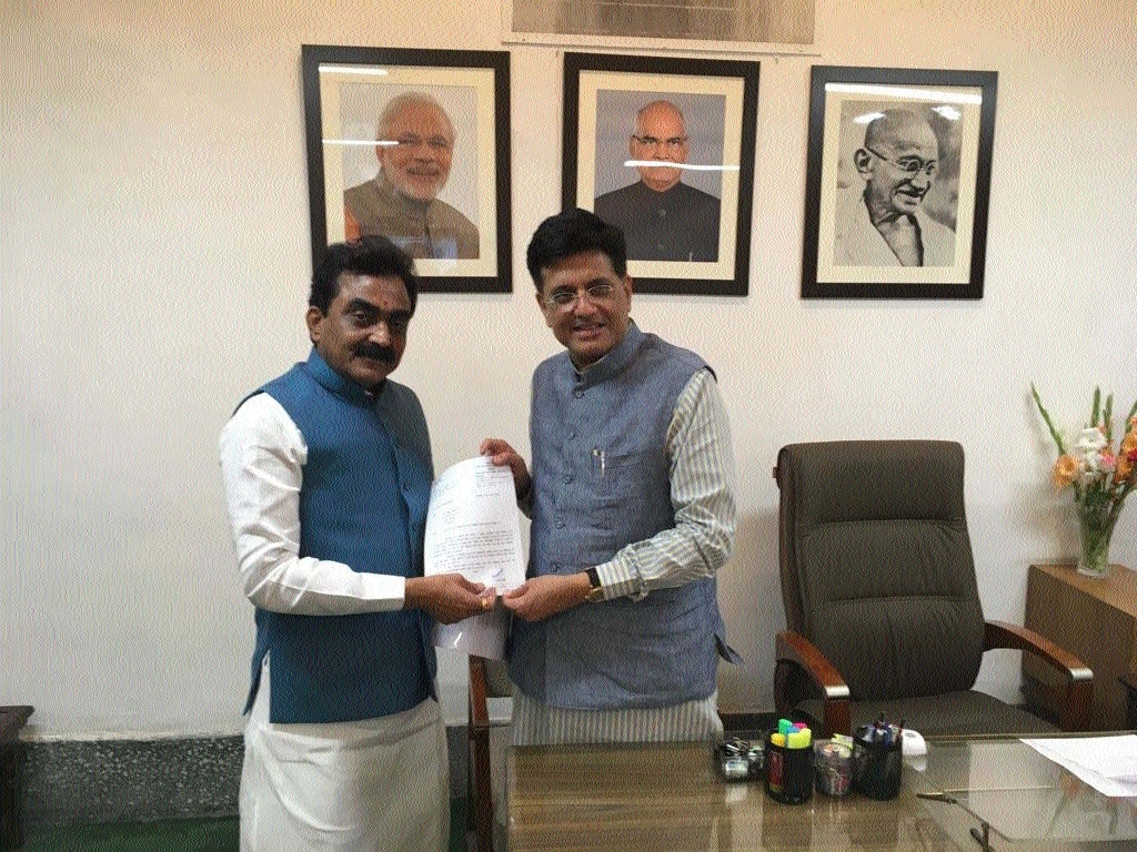 MP Singh meets Railway Minister Piyush Goyal, puts forth demands