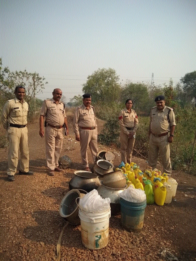 Nine arrested for illegally stocking raw liquor in Janjgir