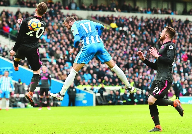 Dunk, Murray pile more misery on Wenger
