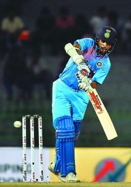 India back to winning ways