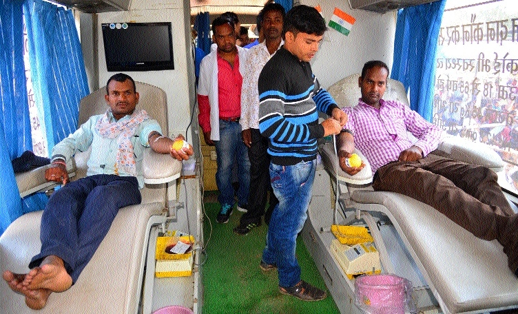 108/102 employees donate blood during indefinite protest
