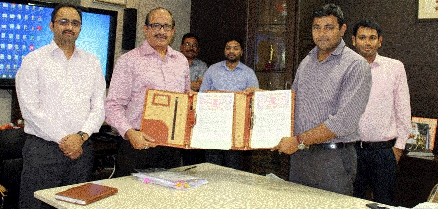 Agreement signed between RSCL and Axis Bank for Raipur City Smart Payment System