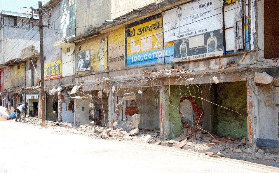 RMC razes illegal structures at Pandri