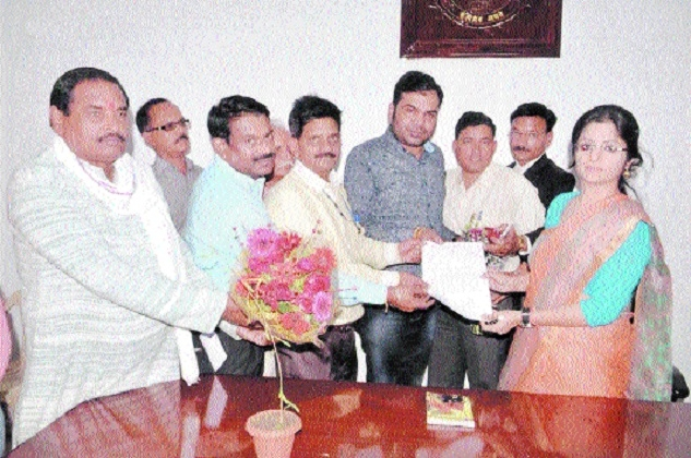 RAPM demands to abolish reservation, submits memo