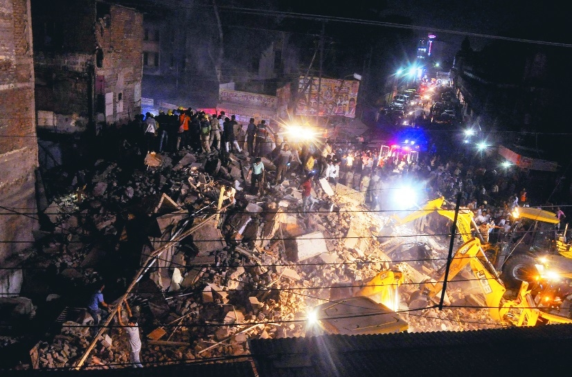 Death toll in Indore building collapse climbs to 10