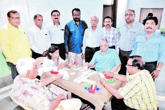 Debendra Bengali Club holds Open Bridge Pair Competition