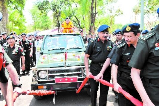 Befitting farewell accorded to Lt Gen Kanal