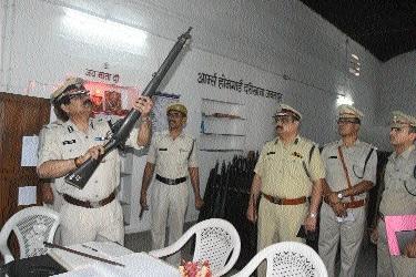 DG Mahan Bharat Sagar inspects Home Guard office at Darikhana