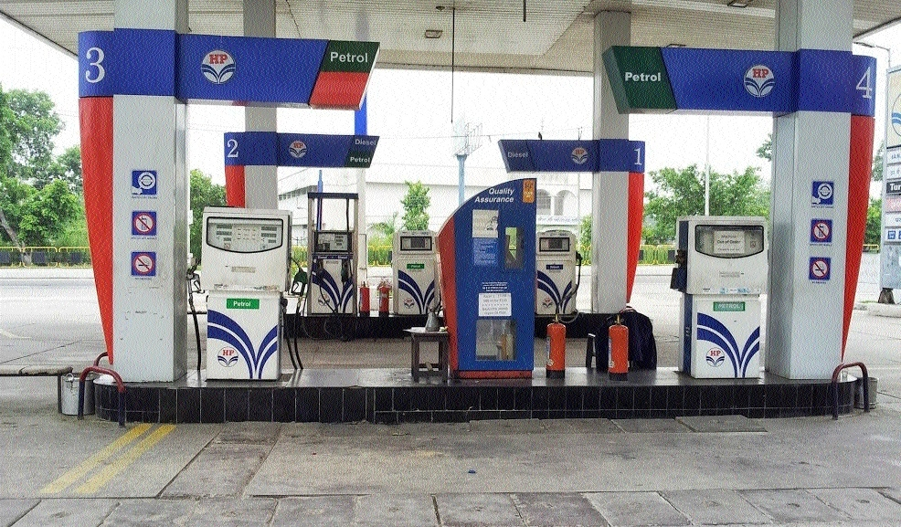 Seven held for beating petrol pump manager, attendants over dispute