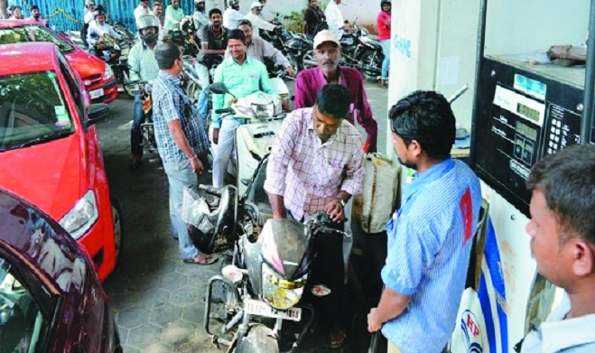 Diesel hits new high of Rs 69.50/ltr, petrol touches Rs 82.24/ltr mark
