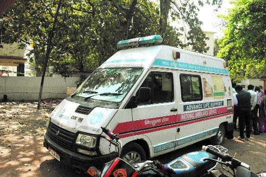 Ambulance service stops as employees boycott work
