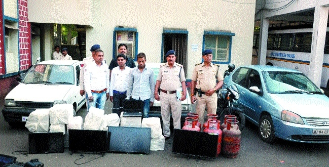 2 miscreants held, valuables worth Rs 6.7 lakh recovered