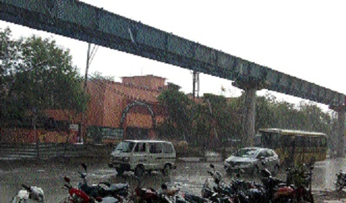 Heavy showers lash State capital