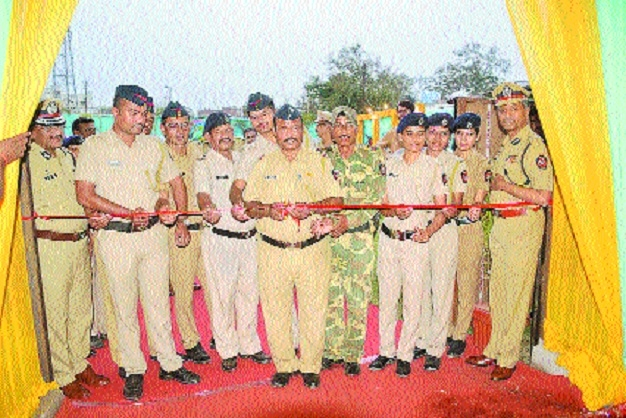 When constables inaugurate project and CP claps for them