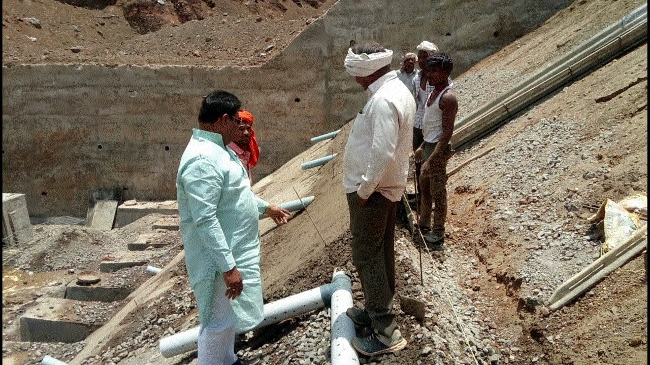 MLA Jatav's visit exposes grim reality of dam work at Aalod