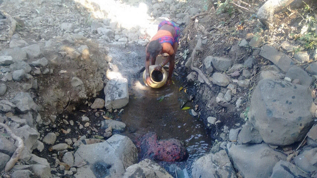 Baigas forced to drink contaminated water of Jhiria