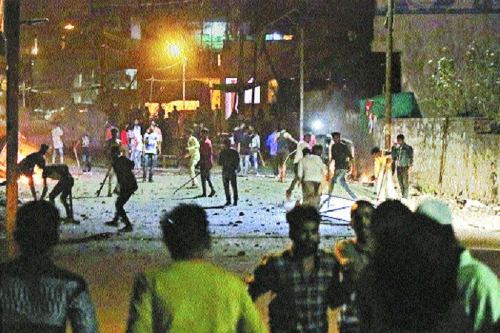 2 killed, 50 hurt as communal clashes erupt in Aurangabad