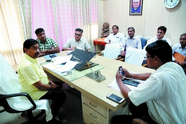 Every Govt engg college must adopt 5 villages: Joshi