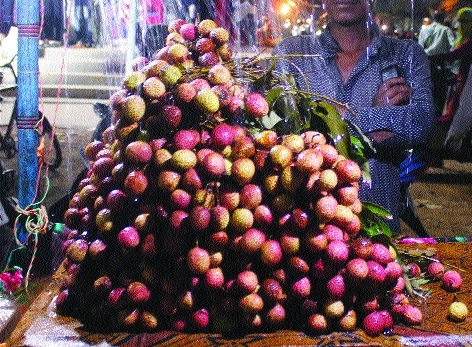 Litchis arrive in markets