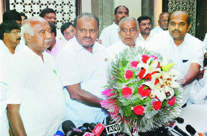 Intense jockeying begins for Govt formation in K'taka