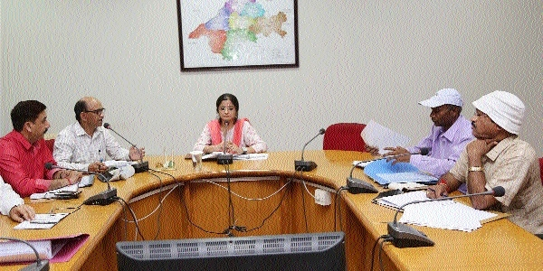 Collector discusses preparations for Tourism Job Fair in meeting