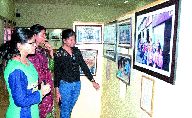 Photo expo on world's prominent museums begins in Bhopal