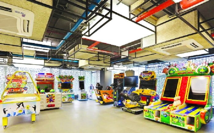 Topsy Turvy designated play zone for kids well received