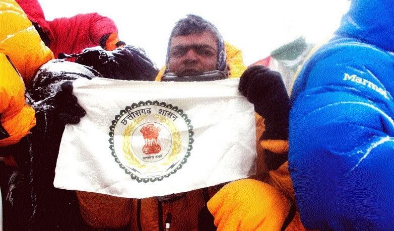 C'garh lad Rahul Gupta summits Mount Everest