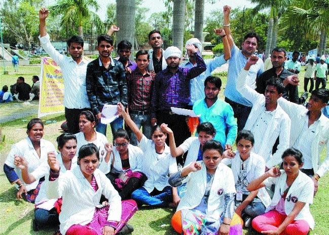 Nursing students stage day-long hunger strike for demands