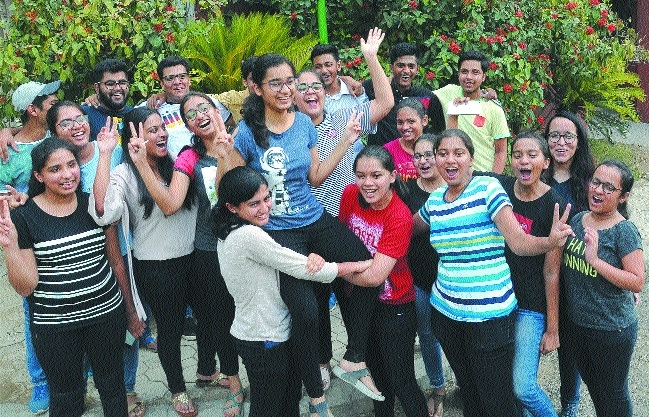 CBSE Class XII results: City's Nidhi Chandak is Vid overall topper