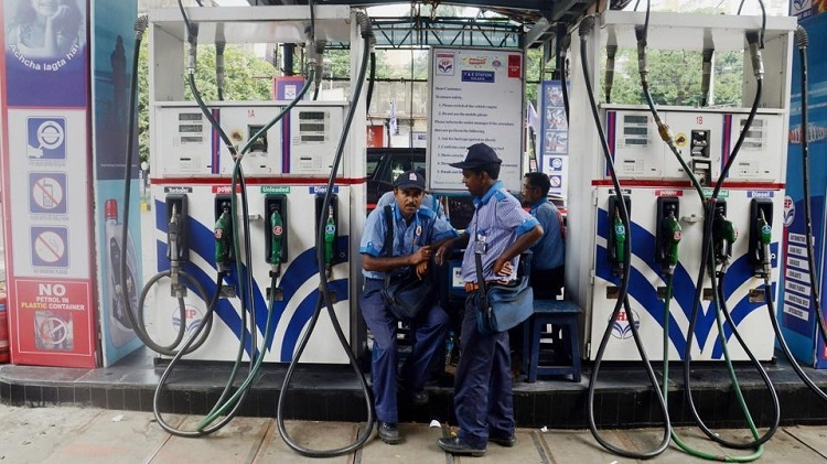 Petrol prices rise for 14th consecutive day
