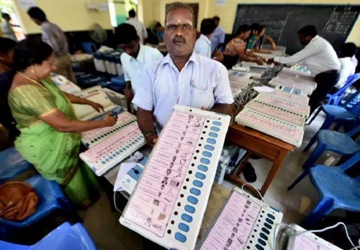 LS by-polls in Mah, UP marred by malfunctioning of EVMs, VVPATs
