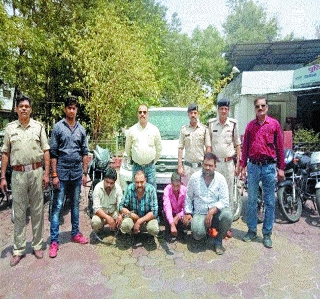 2 gangs of vehicle-lifters busted in separate cases
