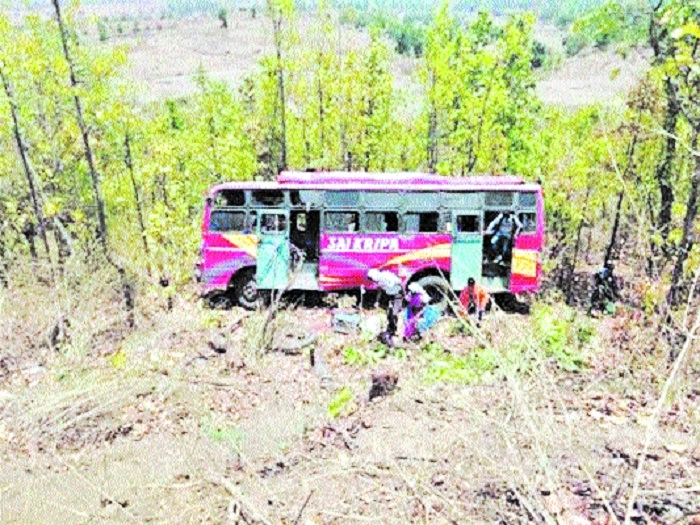 20 injured as speeding bus falls in Kirar valley near Anuppur