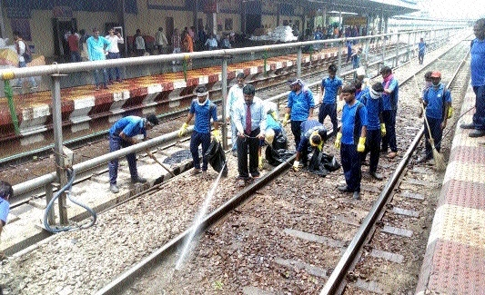 SECR conducts special cleanliness drive at Raipur Railway Station