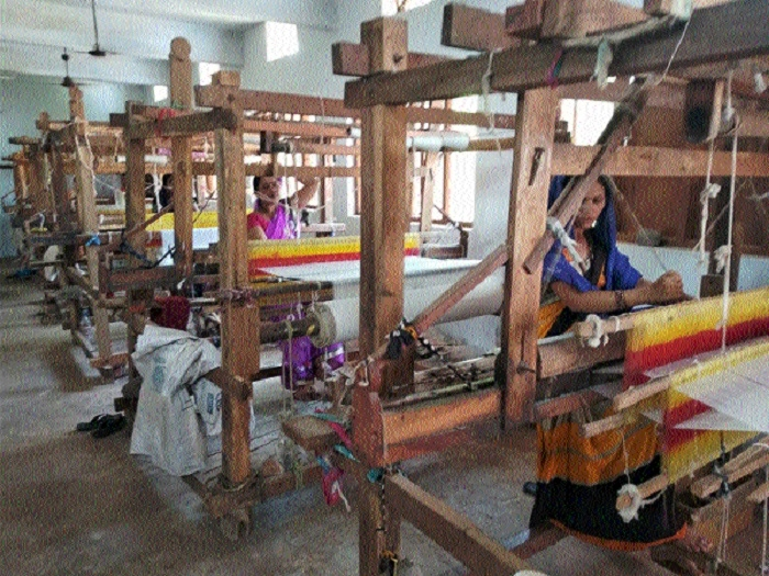 Handicraft Devpt Corpn helps weaving business to restart