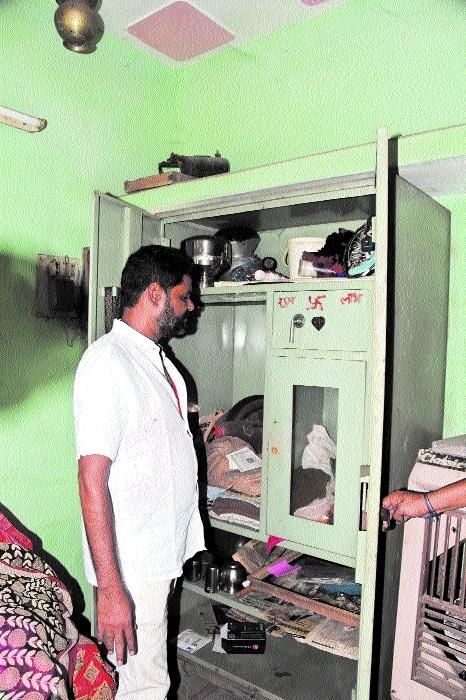 Cash, jewellery worth lakhs stolen in theft