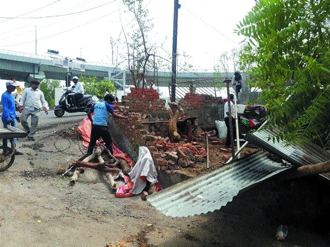 BMC removes encroachments from various parts of city
